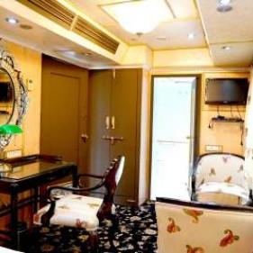 Super Deluxe Cabin